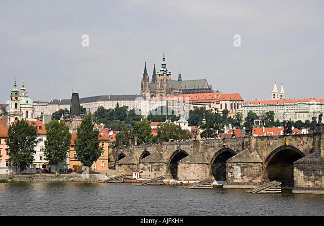 Charles bridge and prague castle - Stock-Bilder
