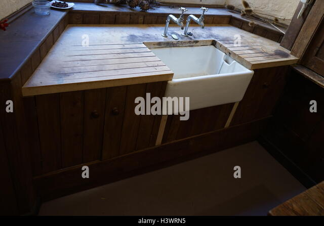 Victorian Butler's sink or washbasin - Stock Image