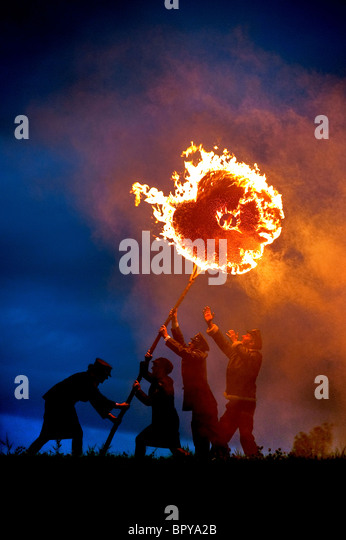 Preparations for  2010 bonfire night in the village of East Hoathly near Lewes. Poppies are carried as an act of - Stock Image