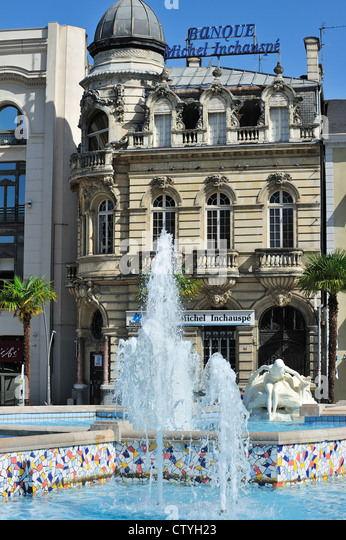 Fountain at the square Place Clemenceau in Pau, Pyrenees, France - Stock Image