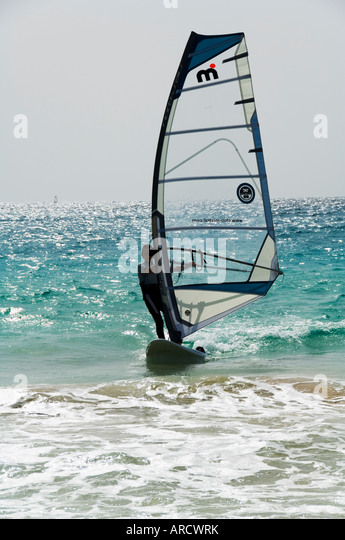 Wind surfing at Santa Maria on the island of Sal (Salt), Cape Verde Islands, Atlantic Ocean, Africa - Stock Image