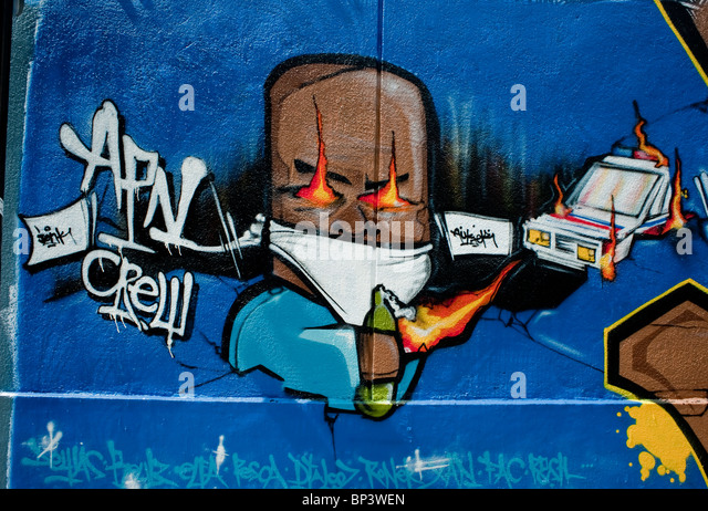 Paris, France, Painting Wall with Spray Paint, Graffiti Graphic Arts 'Street Art' - Stock Image