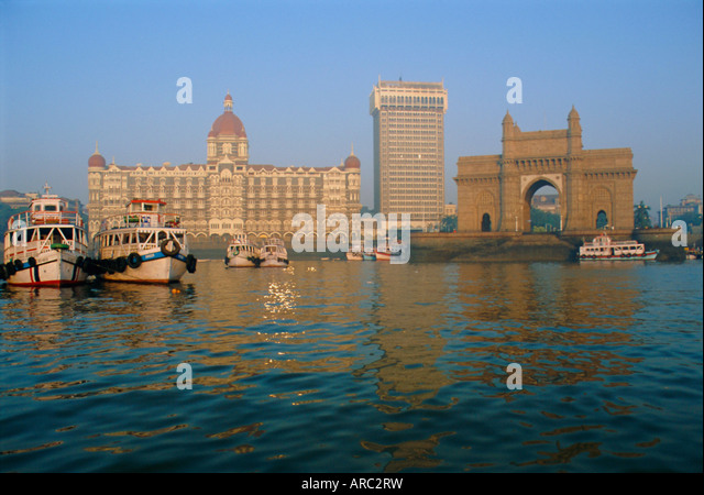 The Taj Mahal Intercontinental Hotel and the Gateway to India, Mumbai, previously called Bombay, Maharashtra State, - Stock Image