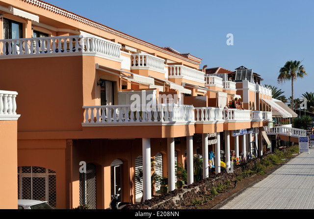Arona and tenerife stock photos arona and tenerife stock for Apartments with shops below