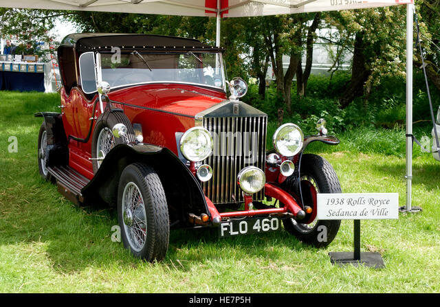 A 1938 Rolls Royce Sedanca de Ville at the 2014 Stockton Nostalgia Show, Wiltshire, United Kingdom. - Stock-Bilder
