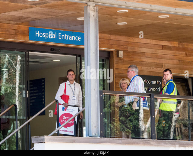 Brentwood, UK.17th July 2017. Senior RCN Officer Tony Durkin (left) and a colleague arrive at Brentwood Community - Stock Image