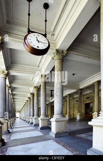 Colonnade with thermal water at Karlovy Vary, Czech Republic - Stock-Bilder