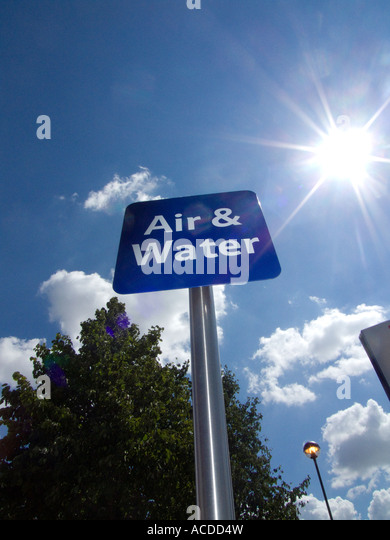 Air and Water sign at a petrol filling station - Stock Image