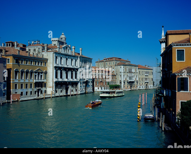 ACTV vessel Canal Grande in Venice, UNESCO World Heritage Site, Italy,  Europe. Photo by Willy Matheisl - Stock Image