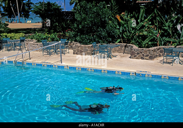 St Lucia Scuba diving lesson in swimming pool - Stock Image