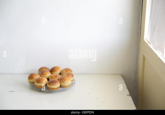 Tray of buns - Stock-Bilder