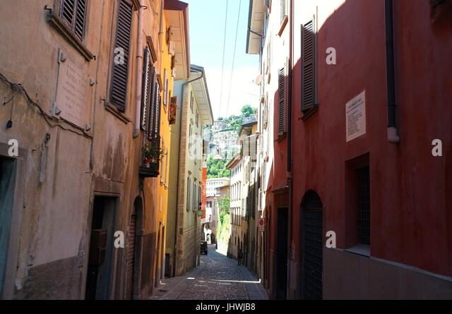 A typical backstreet, Citta Alta (upper city), Bergamo, Lombardy, northern Italy, July 2017 - Stock Image