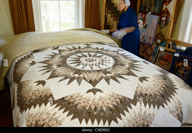 handmade quilts for sale near me quilts stock photos quilts stock images alamy 3896