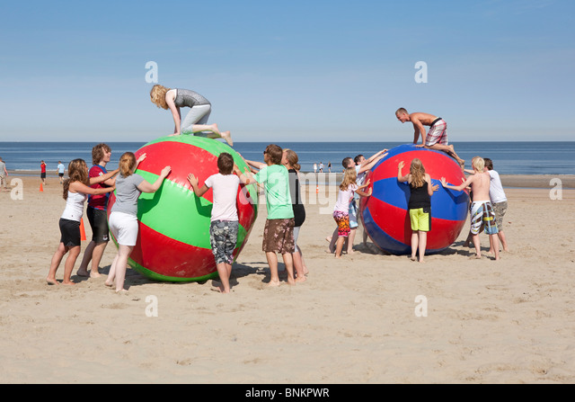 Sport lessons at the beach - Stock Image