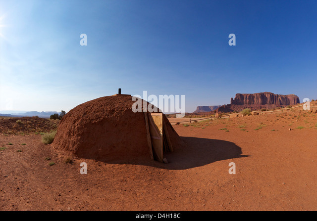 Navajo hogan, traditional dwelling and ceremonial structure, Monument Valley Navajo Tribal Park, Utah, USA - Stock Image