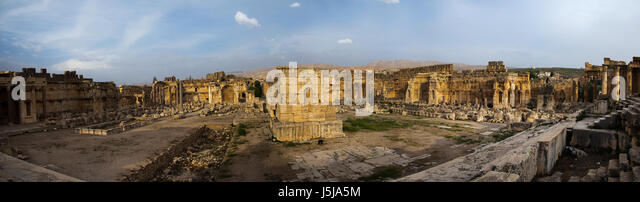 Panoramic view of the great court of the temple complex, Beqaa Governorate, Baalbek, Lebanon - Stock-Bilder