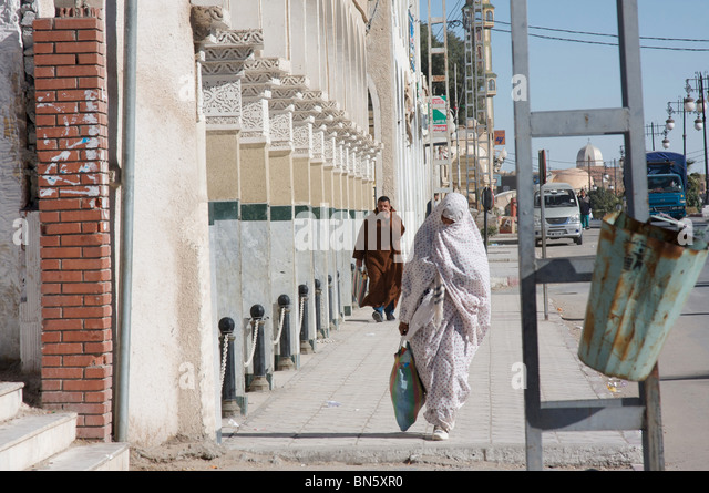 Street scene in the oasis town of El Oued, Algeria, North Africa - Stock Image