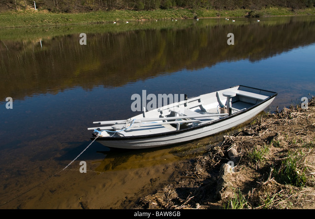 A salmon angling boat at Pedwell Norham - Stock Image