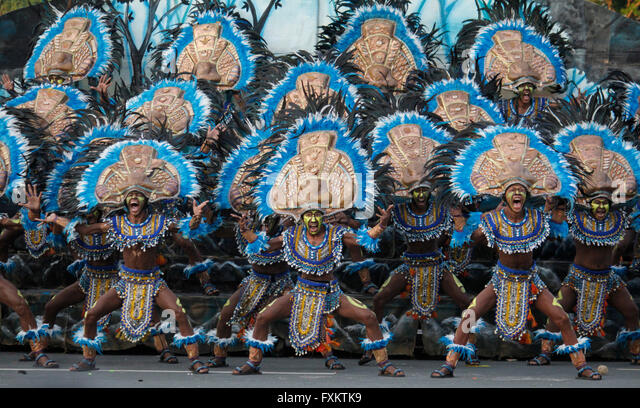 Manila, Philippines. 16th Apr, 2016. The performers of Iloilo's Dinagyang Festival participate at the street - Stock Image