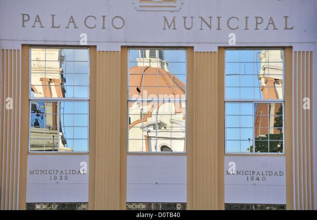 Palacio Municipal, San Pedro Sula, Central America, Honduras, Reflection, facade, windows, Palace - Stock-Bilder