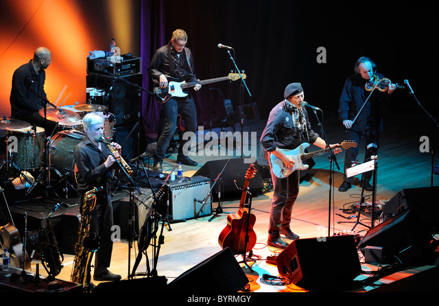 Richard Thompson Band, on the Dream Attic Tour, at Warwick Arts Centre, 29th January 2011 - Stock Image