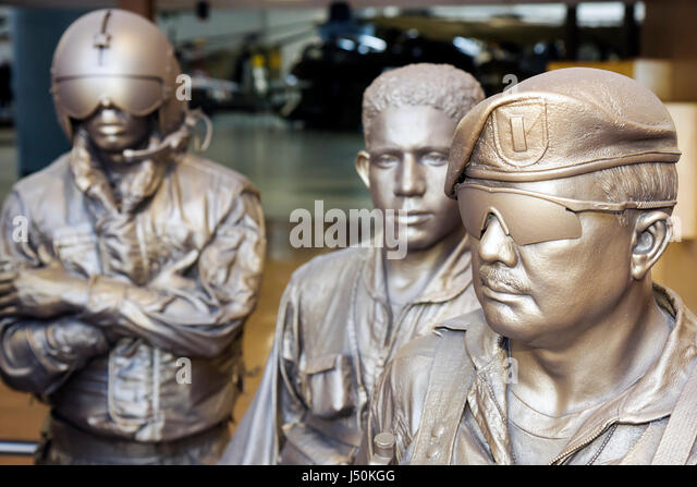 Alabama Ft. Fort Rucker United States Army Aviation Museum statue pilots soldiers aircraft military exhibit defense - Stock Image