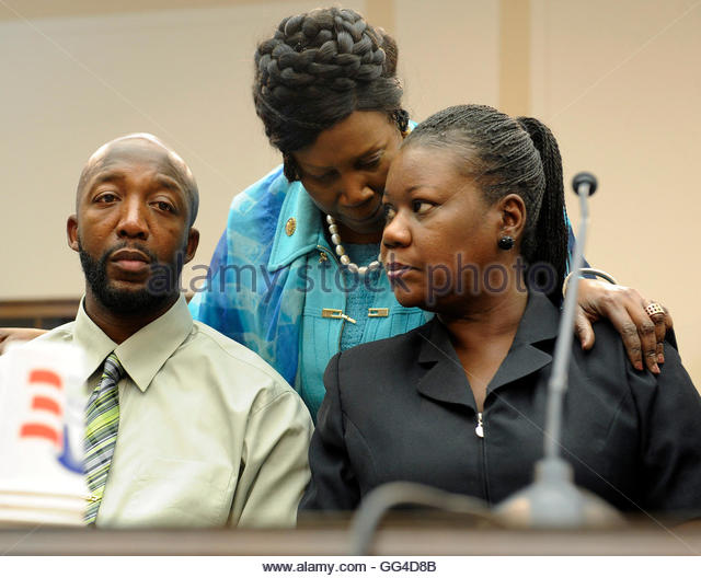 sybrina fulton and tracy martin relationship poems