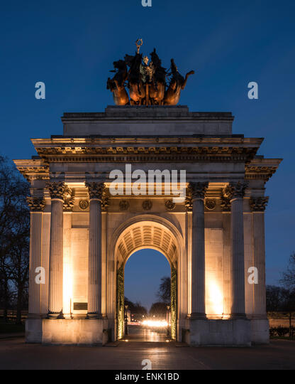 Exterior of Wellington Arch at night, Hyde Park Corner, London, England, United Kingdom, Europe - Stock Image