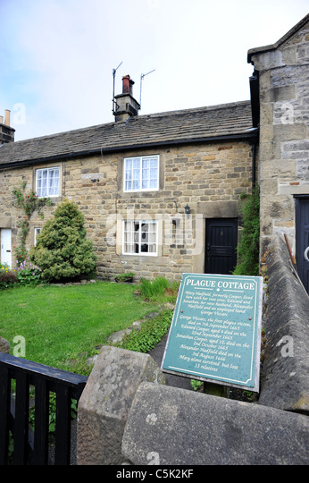 The Plague Cottages in the village of Eyam - Stock Image