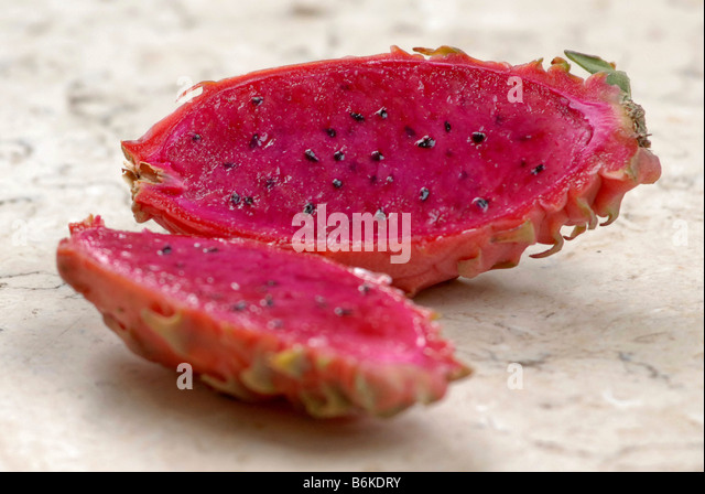 how to cut a pitaya