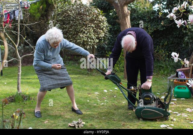 80 Year Old Gardening Stock Photos 80 Year Old Gardening