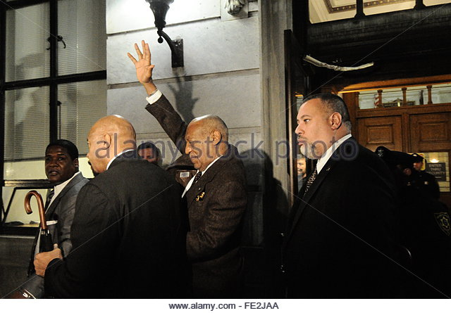 Norristown, United States. February 3rd, 2016. USA, Norristown: Entertainer Bill Cosby waves to bystanders outside - Stock Image