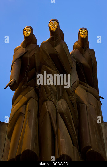 Sculpture of the Feast of the Three Musicians, National Drama Theatre, Vilnius, Lithuania, Baltic States, Europe - Stock Image
