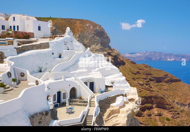 Thira (capital of Santorini) - characteristic white painted architecture, Santorini Island, Cyclades, Greece - Stock Image