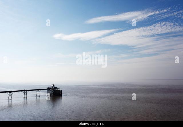 A view toward Clevedon pier. - Stock-Bilder