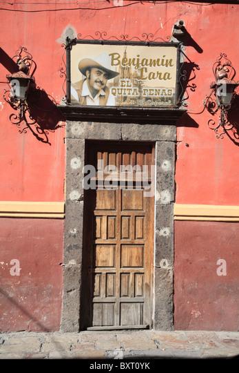 Saloon, Catina, Bar, Colonial architecture, San Miguel de Allende, San ...