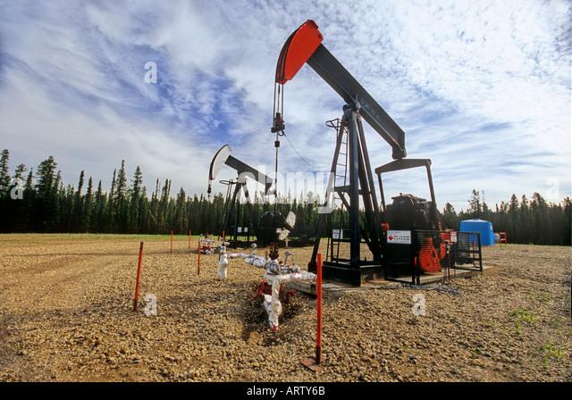 Crude Oil Pump Jacks - Stock-Bilder