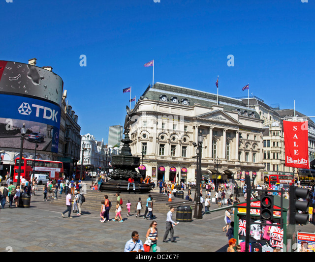 Billboards and advertisements at Piccadilly Circus, London, England ...