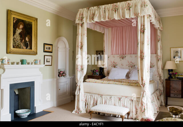 four poster bed with curtains stock photos amp four poster four poster bed curtains drapes ready made tab top 8