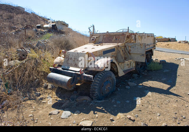Army truck left of the yom kippur war on 'tel e-saki' on the Golan Heights in Israel - Stock Image
