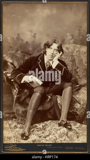 """oscar wilde s aestheticism As a leading representative of the aesthetic movement in 19th century, oscar wilde spared no efforts to advocate for """"art for art's sake"""", laying stress."""