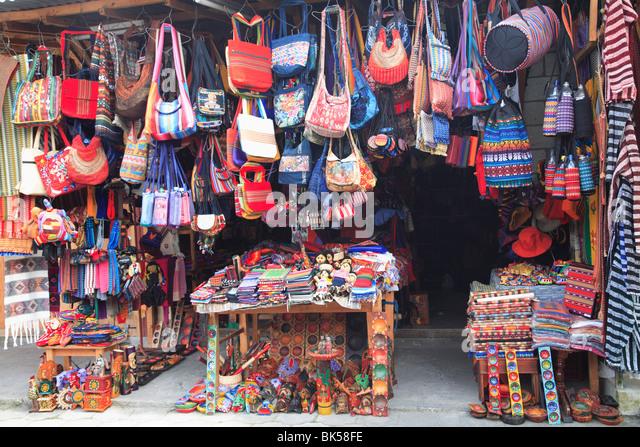handicraft-market-panajachel-lake-atitla