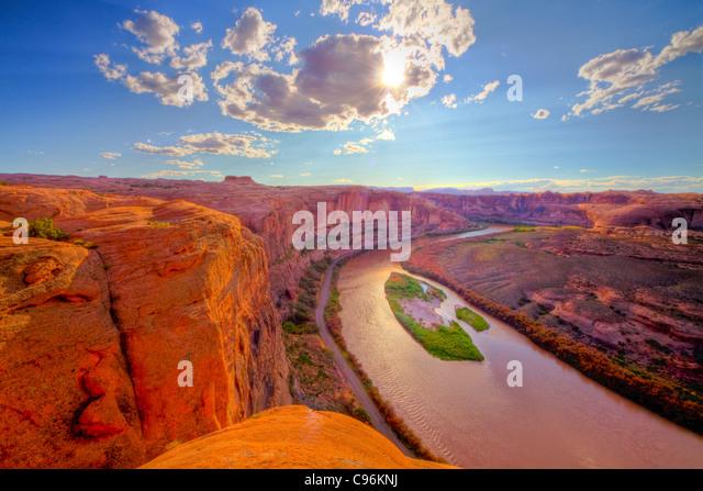 View of Colorado River near Moab, Utah, Hell's Revenge Trail Glen Canyon sandstone walls - Stock Image