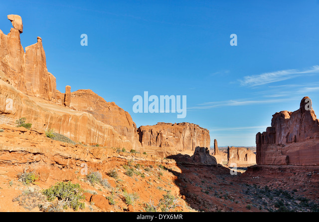 Queen Nefertiti Rock and Park Avenue, Arches National Park, Moab, Utah USA - Stock Image