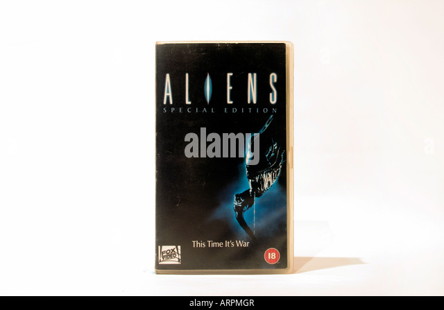 VHS video. Aliens – the Special edition (1986) Directed by James Cameron. With Sigourney Weaver, Carrie Henn, Michael - Stock Image