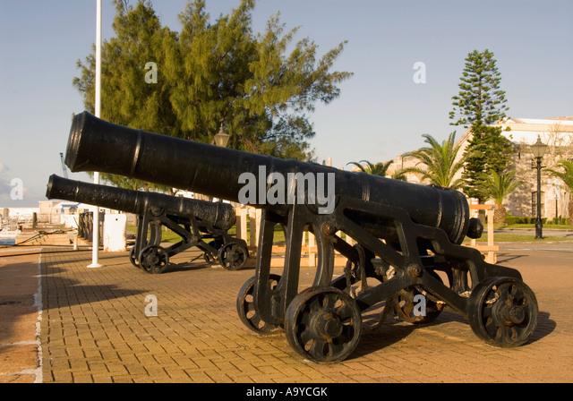 Bermuda Dockyard cannons on waterfront - Stock Image