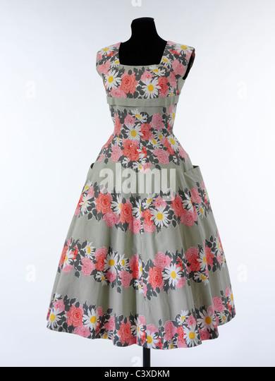 Sleeveless summer dress, by Horrockses Fashions. London, England, 1953 - Stock-Bilder