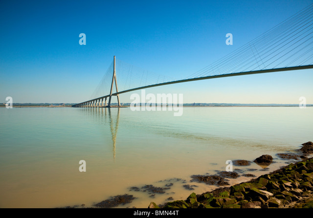 Pont de Normandie, bridge across the river Seine from Le Havre to Honfleur - Stock-Bilder