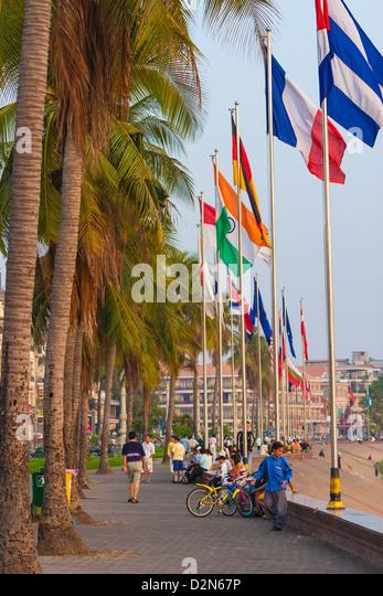 Promenade, Sisowath Quay, Phnom Penh, Cambodia, Indochina, Southeast Asia, Asia - Stock Image