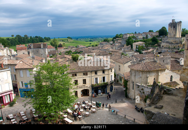 View of the market square of Saint-Emilion, Gironde, Aquitaine, France - Stock Image